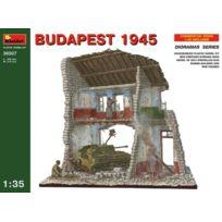 MiniArt - 1/35 Budapest 1945 Diorama Base W/ Su-76 & 5 Figures JAPAN Import