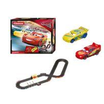 Carrera - Circuit de voiture Fast Friends : Cars 3