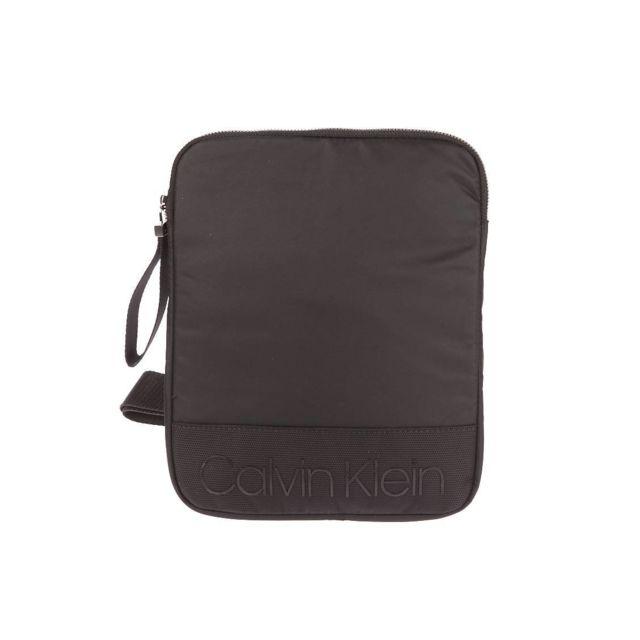 dbbd12479d01 Calvin Klein - Sacoche Shadow Flat Crossover en toile mélangée noire - pas  cher Achat   Vente Besaces et bandoulières - RueDuCommerce
