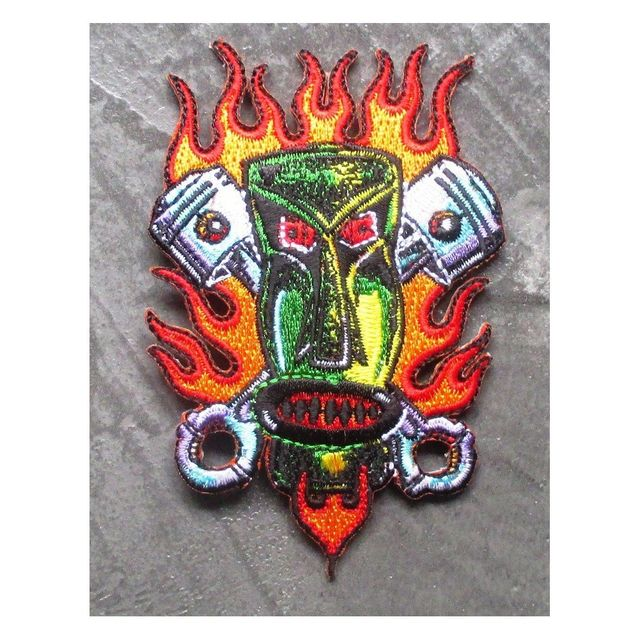 Universel Patch tiki vert et flammes et pistons ecusson hot rod kustom