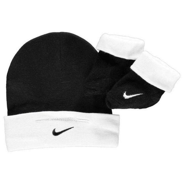 sélection premium 2f178 5bf20 Ensemble vêtements Bébé Bonnet et Chaussons noir et blanc