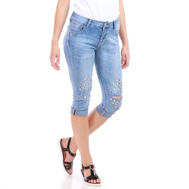 lamodeuse pantacourt bleu en jean trou aux genoux pas cher achat vente jeans femme. Black Bedroom Furniture Sets. Home Design Ideas