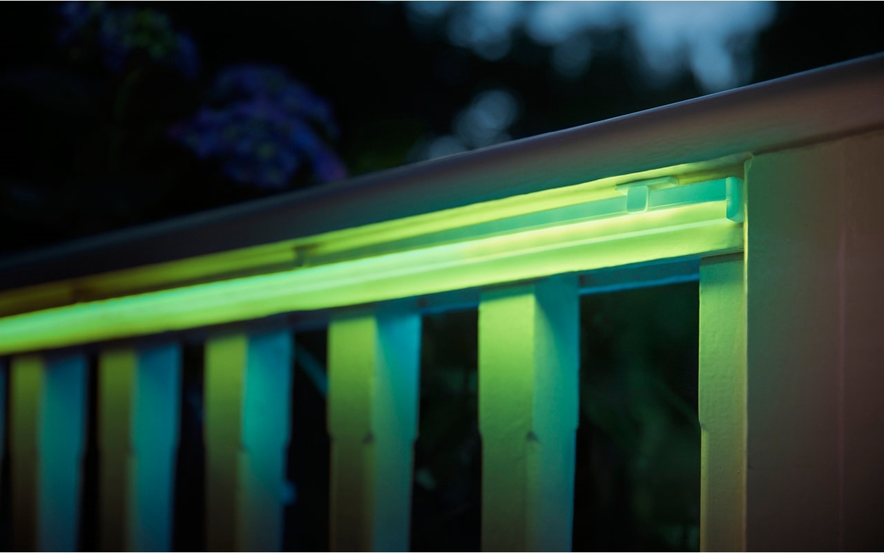 White ans Color Ambiance Outdoor Lightstrip 2m