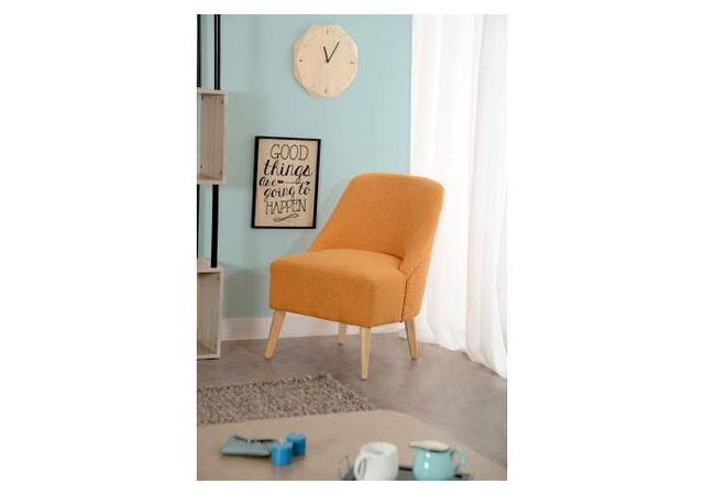 Declikdeco Avec son tissu coloris orange, le Fauteuil Scandinave Orange Eclipse ajoutera une touche moderne et tendance à votre sal