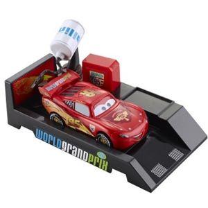 Mattel voiture cars 2 propulseur arr t au stand flash for Arret voiture garage