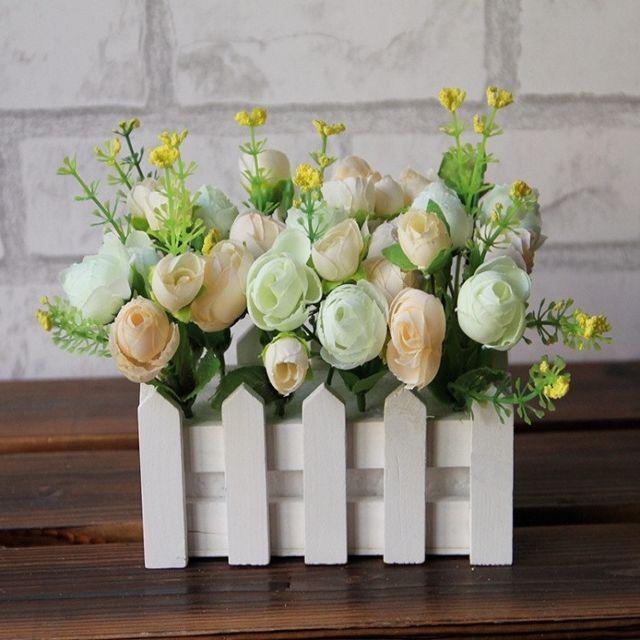 Wewoo Fleurs Artificielles 16cm clôture en bois petit thé bourgeon jardin simulation fleur kit plante pots balcon décor blanc