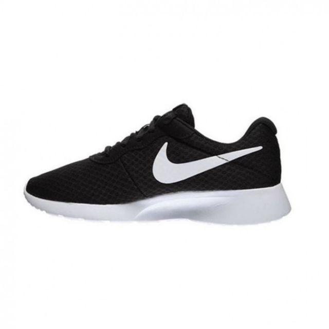 Nike Basket Tanjun 812655 011 pas cher Achat Vente