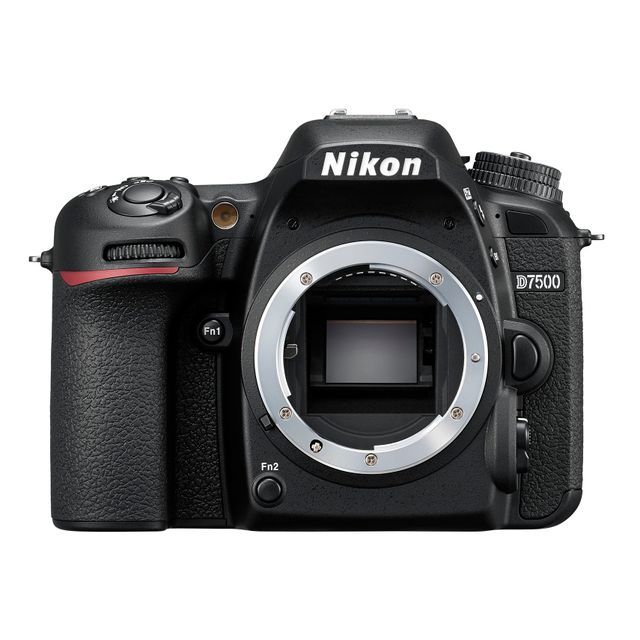 NIKON Appareil Photo Reflex D7500