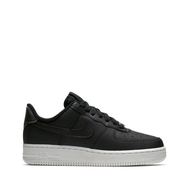 Nike Basket Air Force 1 07 Essential Ao2132 004 pas