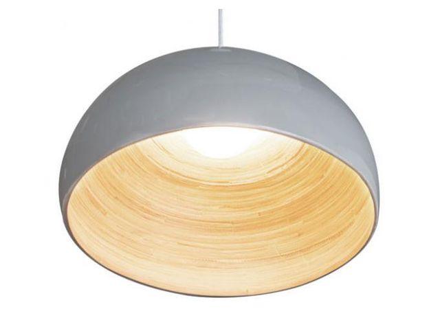 Declikdeco - La Suspension En Bambou Vitré Vert Kaki Oberon, est le type de luminaire très tendance qui assurera un look moderne et épuré à votre séjour. Composée de bois et de verre, sa teinte verte saura donner une touche tamisée à votre intérieur. Caractéristique