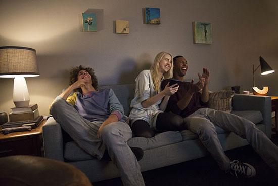 google enceinte intelligente home mini chrome cast pas cher achat vente enceinte nomade. Black Bedroom Furniture Sets. Home Design Ideas