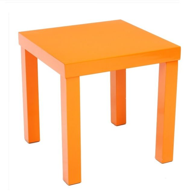 Table basse laquée orange