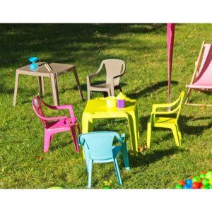 chaise empilable pour enfant tonga nc pas cher achat vente chaises de jardin rueducommerce. Black Bedroom Furniture Sets. Home Design Ideas
