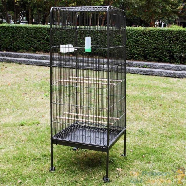 Le Poisson Qui Jardine Volière ou cage à oiseau en métal de 146 cm de haut. Sur roulettes