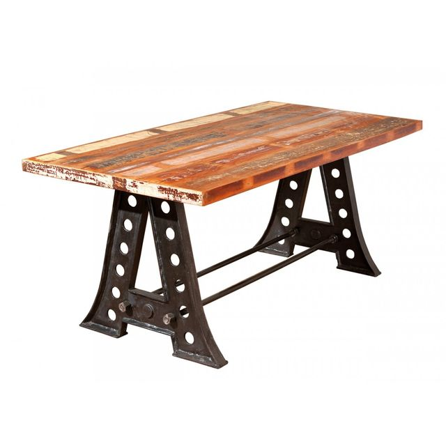 Altobuy Fabrik - Table