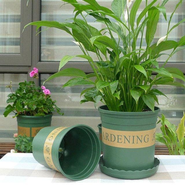 Wewoo Pots de fleurs plantes Pépinières en plastique Creative gallons avec plateau, taille: 15 22 18cm