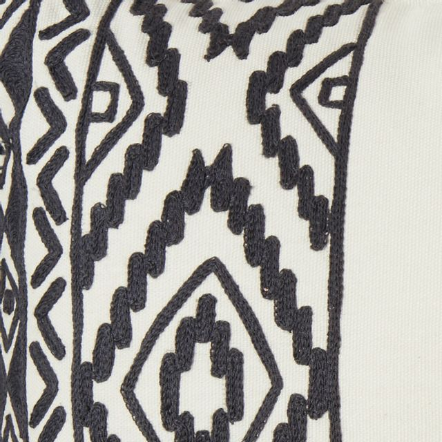 TEX HOME - Coussin tribal pompom en coton Noir - 30cm x 50cm