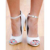 Princesse Boutique - Escarpins ouverts avec bride et talon argenté beige