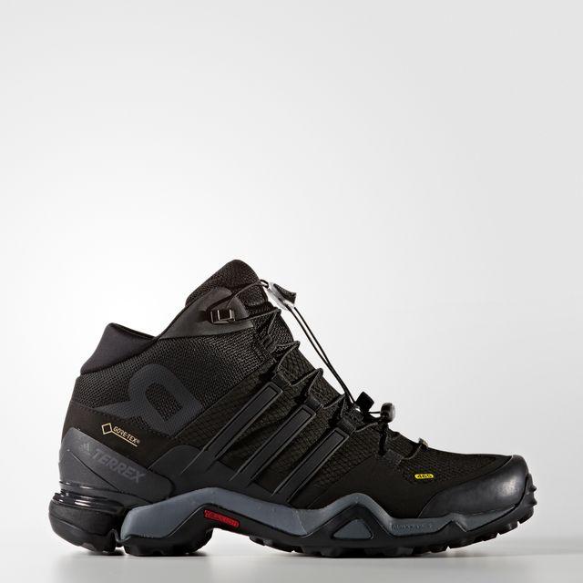 e0f38a19ef3 Adidas - Chaussures Terrex Fast R Mid Gtx - pas cher Achat   Vente  Chaussures grande rando - RueDuCommerce
