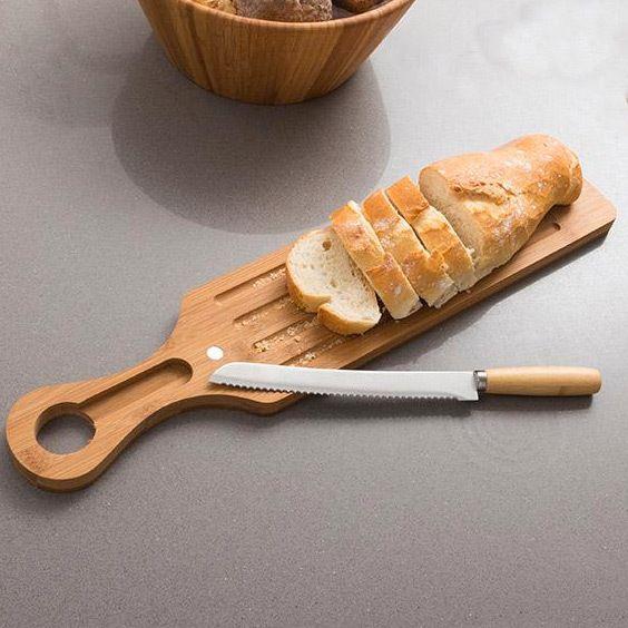 Touslescadeaux Planche à Pain en Bambou avec Couteau à Pain