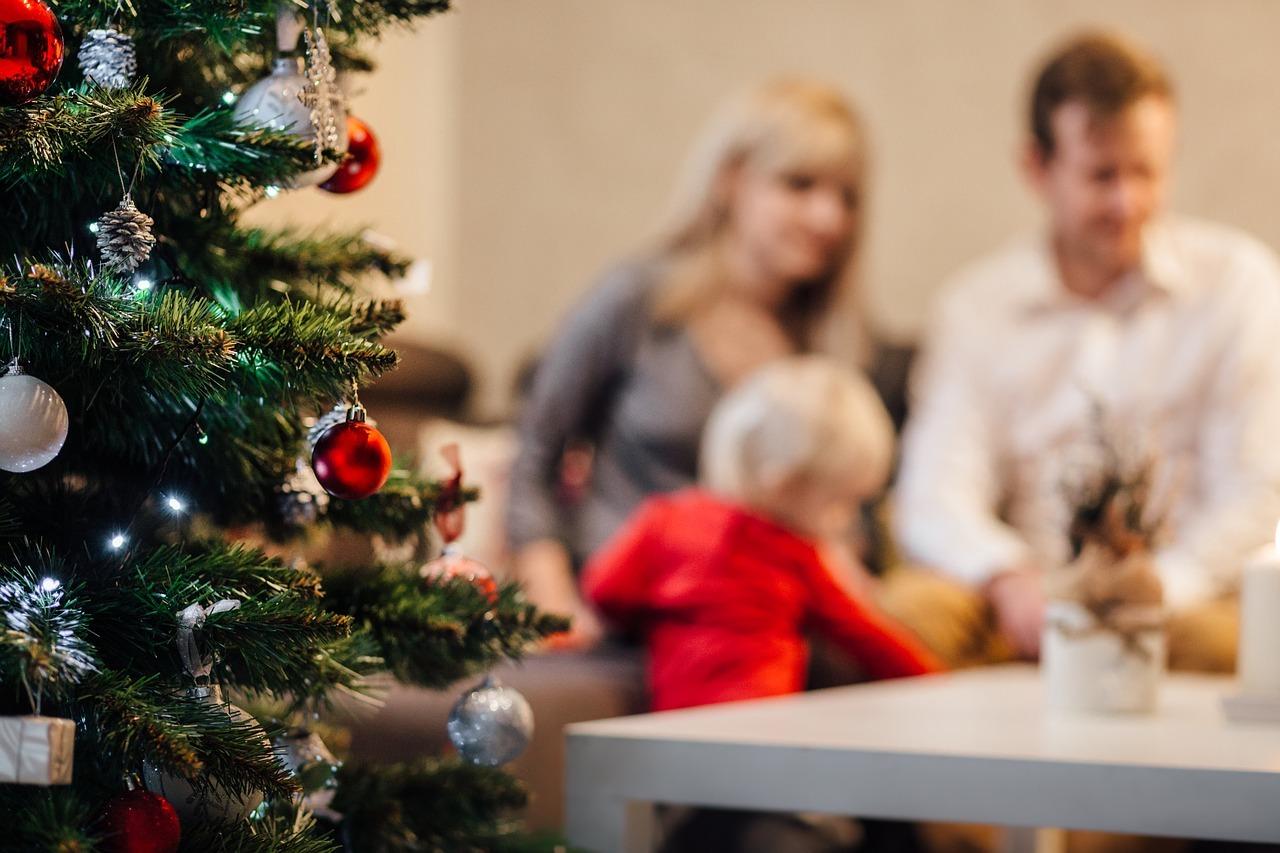 Sapin de Noël artificiel : nos astuces pour le bon choix