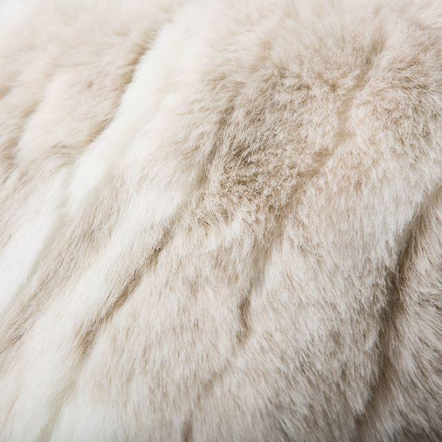 Comptoir Des Toiles - Coussin fausse fourrure loup blanc Sweet Home - 40x40cm