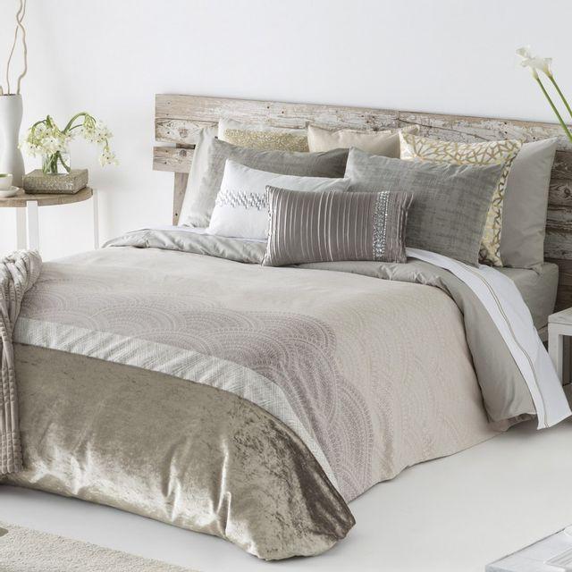100pourcentcoton housse de couette jacquard 220x240cm 1 taie de traversin 45x155 cm kilian. Black Bedroom Furniture Sets. Home Design Ideas