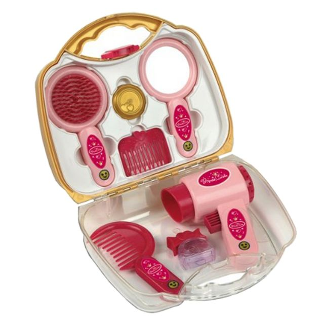 Klein Mallette coiffure Princess Coralie : Petit modèle A domicile ou dans votre chambre, vous allez pouvoir jouer à la coiffeuse ! Vos poupées seront ravies d'arborer de somptueuses coiffures ! Contenu : Sèche cheveux, brosse, miroir, peigne, flacon de p