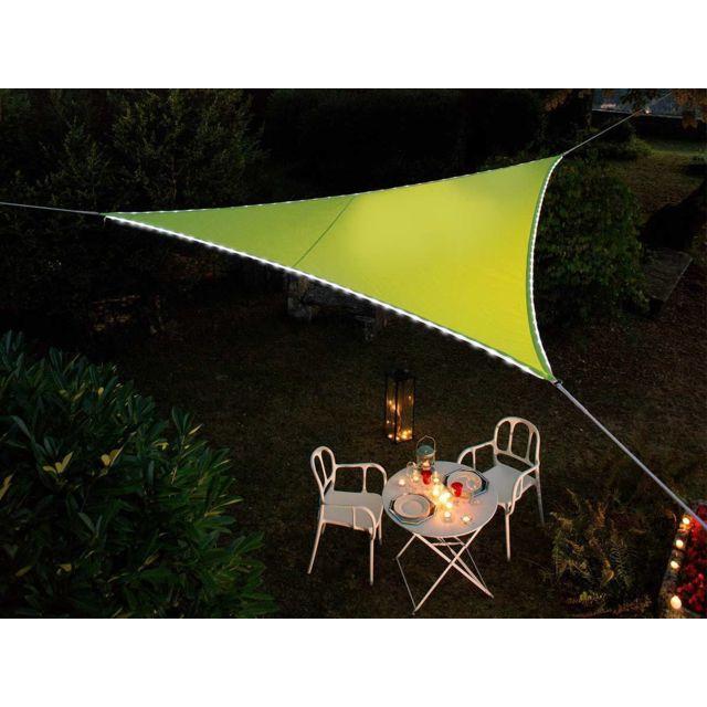 jardideco voile d 39 ombrage triangulaire leds solaires vert adaptateur pas cher achat. Black Bedroom Furniture Sets. Home Design Ideas