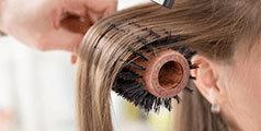 Comment faire un brushing impeccable avec un sèche-cheveux
