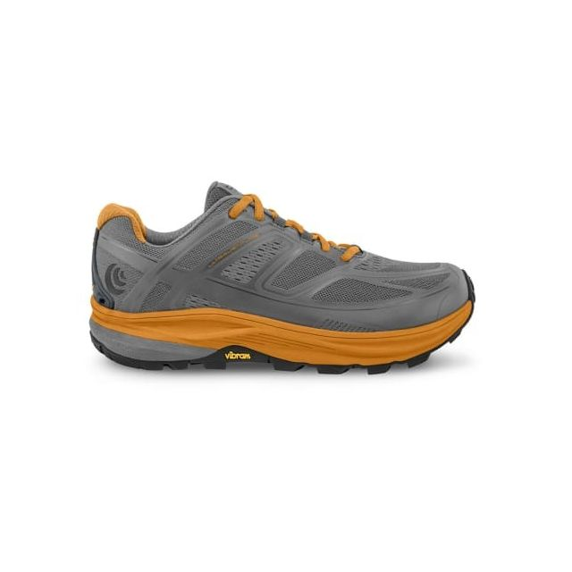 Topo Athletic Chaussures Ultraventure gris or