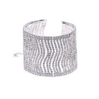 Lamodeuse - Bracelet manchette argenté serti de strass