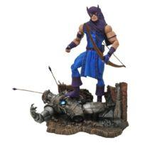Diamond Select - Marvel Select Classic Hawkeye Action Figure