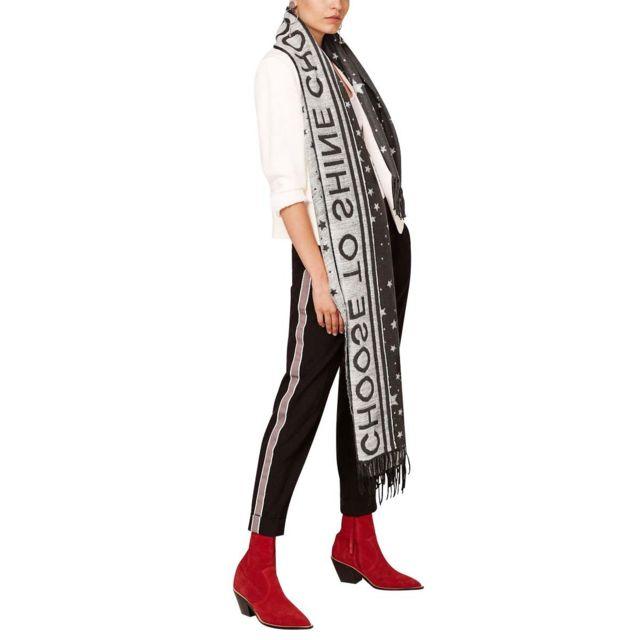 Esprit - Foulard éffrangé avec motifs étoile - pas cher Achat   Vente  Etoles, châles - RueDuCommerce 85ec54f31be