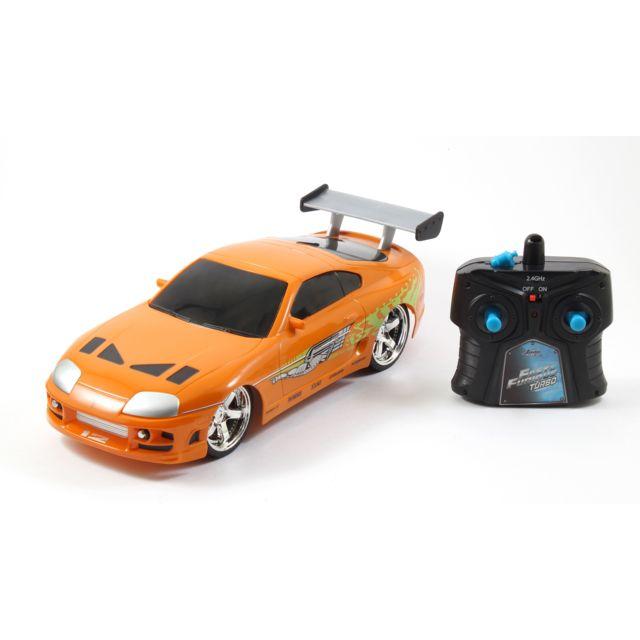 JADATOYS Voiture radiocommandée Fast and Furious - 84228 Voiture radiocommandée issue de la série cinématographie Fast and Furious! Montre que tu es le plus rapide grâce à cette magnifique voiture!
