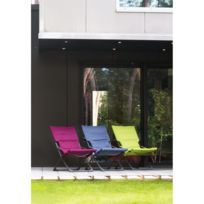 - Fauteuil Loggia. Dim.: L.84 x l.62 x H.91 cm. Structure en acier. Housse en polyester 160g/m², garniture en mousse recyclée. Coloris aubergine