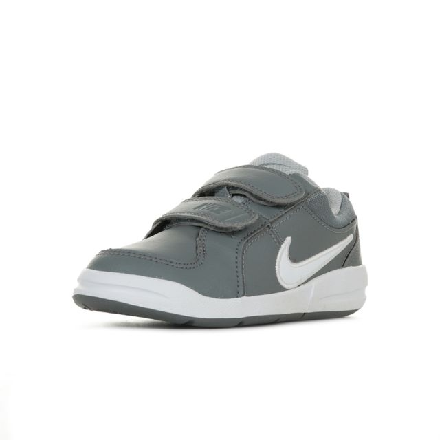 Nike Pico 4 PSV 32 pas cher Achat Vente Baskets enfant