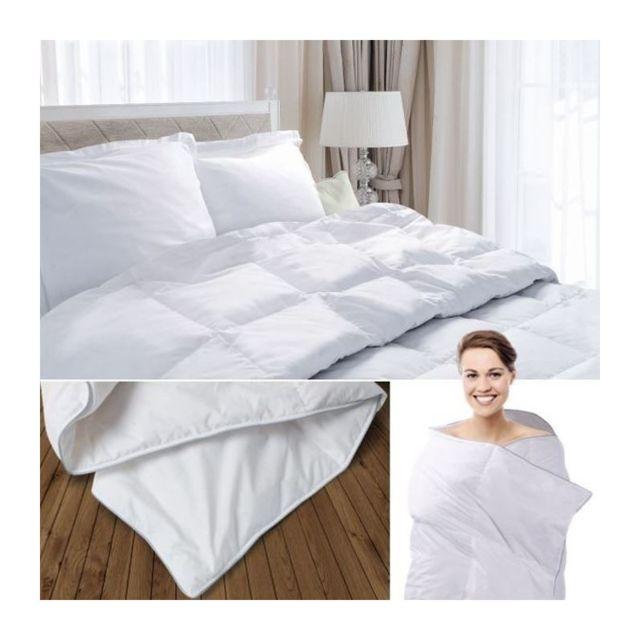 idmarket couette plume d 39 oie 240x260 cm anti acariens 260cm x 240cm pas cher achat vente. Black Bedroom Furniture Sets. Home Design Ideas