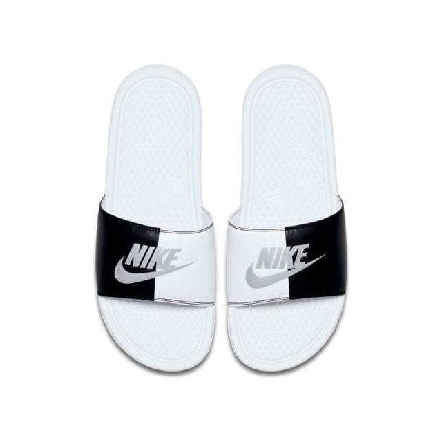 size 40 d6b9b 950fd Nike - Claquettes Nike Benassi Just Do It blanc noir femme