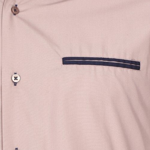 Meadrine - Chemise cintrée Méadrine en coton beige à opposition bleu marine