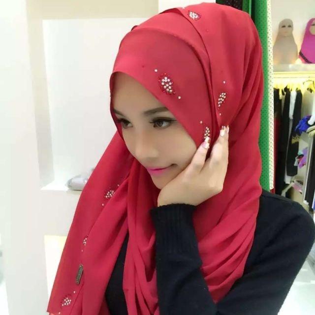 Wewoo - Strass en Mousseline de Soie Perle Caché Boucle Foulard Femme  Nationalité Style Foulard Hijab Musulman Foulard Vin Rouge - pas cher Achat    Vente ... bc75682d752