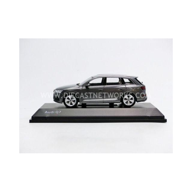 Spark - 1/43 - Audi Q7 - 2015 - 5011407633
