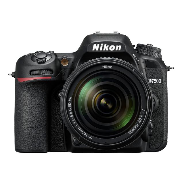 NIKON Appareil Photo Reflex D7500 18-140