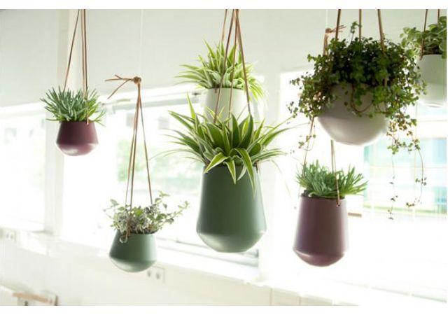 Declikdeco - Vase A Suspendre En Céramique Vert Kaki Neso 15cm x 14cm x 15cm