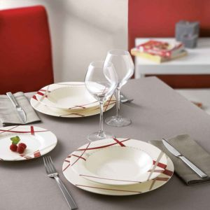 luminarc service de table 19 pi ces rouge rubans couture pas cher achat vente service de. Black Bedroom Furniture Sets. Home Design Ideas
