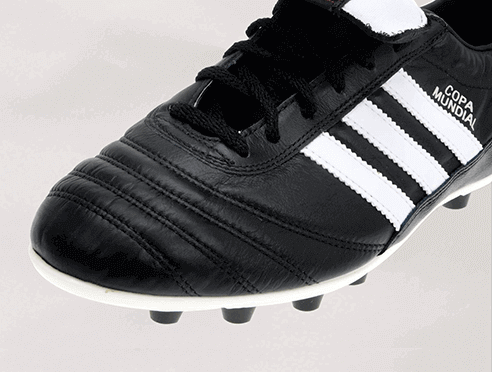 Visuel pied gauche d'une Adidas Performance noire taille 42