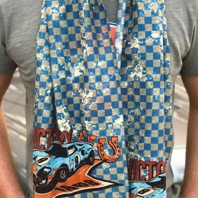 11a0f887c2af Gulf - Echarpe Victory bleue - pas cher Achat   Vente Echarpes, foulards -  RueDuCommerce
