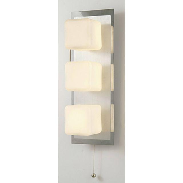 Luminaire Center Applique murale Ip44 Cube avec interrupteur à tirette 3 Ampoules chrome poli & Aluminium/verre opal