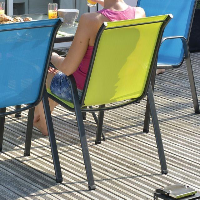 Modèle : seattle. Dimensions : l.67 x l.55 x h.92 cm, structure en acier, assise et dossier en textilène. Coloris vert.