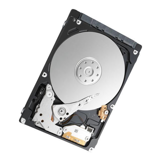 TOSHIBA Disque dur interne L200 - 500 Go - Rouge OPTIMISEZ VOTRE CAPACITÉ DE STOCKAGEOptimisant la capacité de stockage de vos appareils dans un format compact, le disque dur L200 est capable d'ajouter jusqu'à 1 To aux PC portables ou